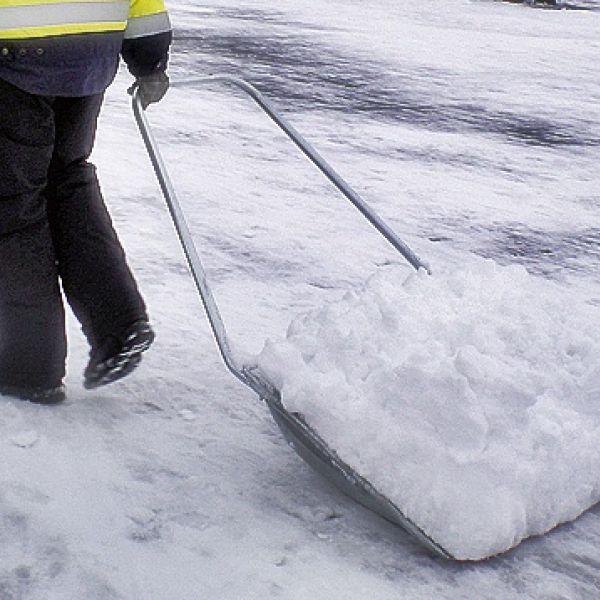 Thumbnail for Snöskottning och halkbekämpning